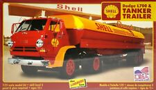 Lindberg 118   Dodge L700 Tractor with Shell Oil Tanker Trailer model kit 1/25