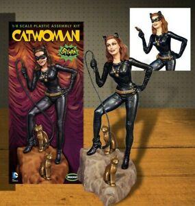 1:8 Moebius Models #952 - 1966 Catwoman - Julie Newmar Figure  model kit