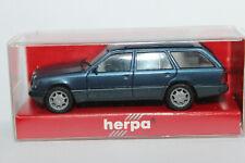 Mercedes Benz E Klasse T Modell   S210 Herpa 1:87  blaumetallic