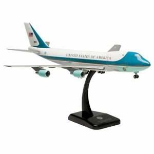 Hogan Wings US Air Force One Boeing 747-200 Plastic Model - Scale 1:200