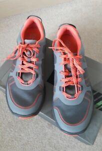 Clarks Active Wave Walk Trainers / Walking Shoes Size 5.5 D