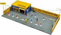 Tomytec TOMICARAMA Vintage 04c Used Car Shop Axel 426 1/64 Diorama Set