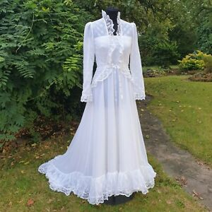 Beguiling Genuine Vintage 1970s White Lace Prairie Wedding Dress Size 8