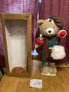 1996 Telco Motionettes 24 Inch Animated Figure Christmas Bear Girl Candle Box