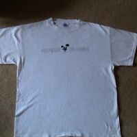 HOLLYWOOD CALIFORNIA WHITE T-SHIRT W/ A MOVIE CAMERA IN THE LOGO... SIZE LARGE