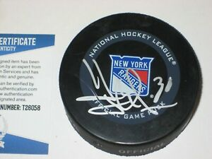 HENRIK LUNDQVIST Signed NY RANGERS Official GAME Puck w/ Beckett COA
