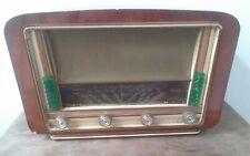 Antigua Radio de Valvulas  Modelo 140 . Francia . Años 50 .