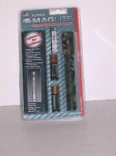 Mini Maglite Camo  Kit Batteries and Hoster