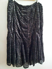 Effortless Style! Jones New York size 24 black skirt in excellent condition