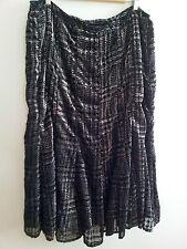 Effortless Style! Jones New York size 24 black rayon & nylon lined skirt