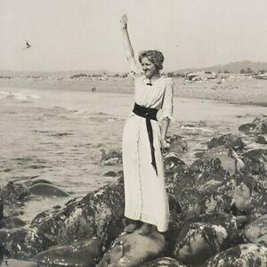 Oregon Coast 1910s Seaside Sacajawea Woman Fashion 1914 Pacific Ocean Photo G110