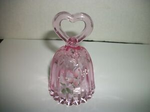 FENTON PINK BELL HAND PAINTED & SIGNED HEART TOP