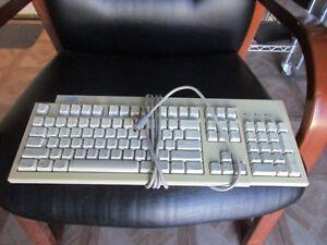 IBM PS2 Keyboard Model KB-7953