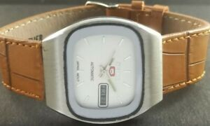 OLD VINTAGE SEIKO 5 AUTOMATIC JAPAN MENS DAY/DATE WATCH 452-a226860-2