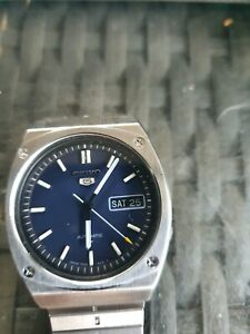 Gents Seiko 5 automatic in A1 condition vintage 1970s wrist watch