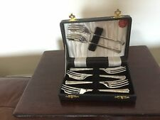 """BEAUTIFUL CASED  SET OF 6 SILVER PLATED CAKE FORKS  5"""" LONG YEOMAN PLATE NR1"""