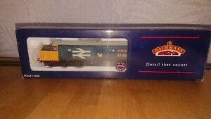Bachmann class 37 / 4 Diesel 37408 Loch Rannoch locomotive model railway train