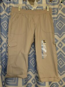 NWT Women's 12P Classic Khaki Cotton Blend Relaxed Fit Midrise Capris by Lee