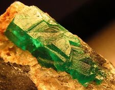 9.20 Grams Superb Colombia Emerald Matrix Crystal NEW 2015 Supply for Sale BN