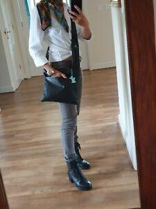 Radley Black Leather pocket blue dog tag Messenger X-Body Shoulder Bag Handbag