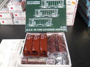 KATO A.C.F. 70 Ton Covered Hopper. 3 Car Kit ATSF 38-0106 NIB