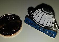 PINS publicitaire TUPPERWARE MOULE A CHARLOTTE Emaillé PORT GRATUIT EN FRANCE