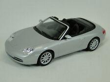 Minichamps Porsche 911 Cabrio 2001 in 1:43 Silber