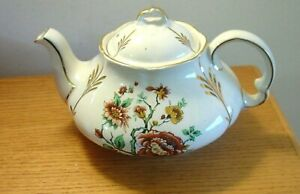 ELLGREAVE WOOD & SONS IRONSTONE TEAPOT MUMS MADE IN ENGLAND