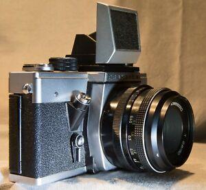 Carl Zeiss Jena Objektiv T2.8/50 f2.8 50mm mit Kamera Praktica VLC SLR anal. M42