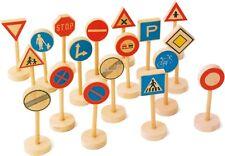 Verkehrsschilder Set Holz 18 Teile  ca. 5 x 3,5 x 10 cm