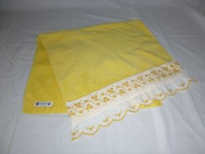 Vtg Martex Plush Yellow Hand Towels Floral Embroidered Ruffle Edge 16x30