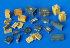 Plus Model Ammunition and Medical Aid Containers Germany 1:48 WWII Diorama 4023