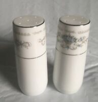 Wade Fine Porcelain China Japan DIANE Dinnerware Salt & Pepper Shaker Set w/Box