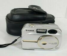 Fuji FinePix 2650 Digital Camera 2.0MP w Case & Memory Card WORKS Vintage CLEAN