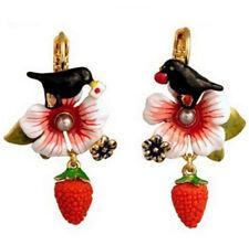 Ohrhänger mit Vogel, Erdbeere und Blume, Emaille, Kristalle, goldfarben