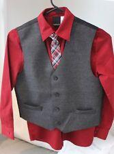 Adorable!! Boys Van Heusen 4 Piece Suit.  Wore One Time.  Size 4