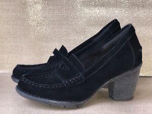 NEW Clarks Carleta Belle Women's 8.5 M Black Suede Leather Heels Loafers