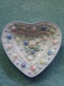 """Pastel Floral Porcelain Soap Dish 5"""" x 4"""" New in Box"""