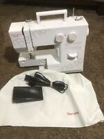 Bernina bernette 50 sewing machine with foot Pedal - WORKING