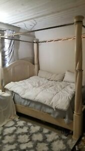 2pc Kreiss Furniture Luxury Bedroom Set. Queen Canopy Bed And Matching Dresser.