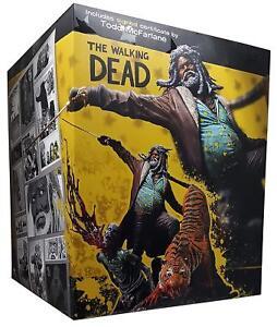 The Walking Dead Ezekiel Et Shiva statue McFarlane Collectors Club En Marron Box