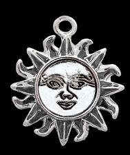 El Sol-Power talismán de salud y felicidad encanto colgante con cadena y caja