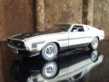 Danbury Mint 1971 Ford Boss 351 Mustang 1:24 Scale Diecast Model Fastback Car