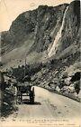 CPA Le Dauphiné - Route de Bourg-d'Oisans á la Grave -Cascade de la.. (433836)
