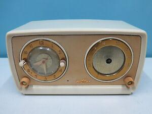 Silvertone USA ca. Anfang 50er Jahre Design Röhrenradio mit UHR tolle Optik
