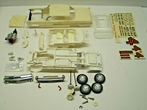 AMT ANNUAL 1/25 SCALE 1962 PONTIAC TWO DOOR  FOR PARTS OR RESTORATION? L@@K!