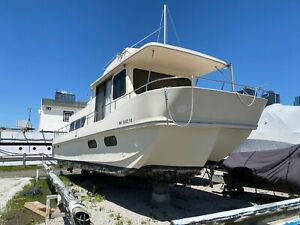 1988 Holiday Mansion Barracuda 37' Houseboat - Connecticut