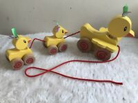ELC .. Pull Along Wooden Toy .. 3 Ducks .. Lovely Condition wooden ducklings