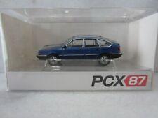 PCX87 #0079 VOLKSWAGEN PASSAT B2 SEDAN in BLUE Model is Plastic 1/87 / HO SCALE