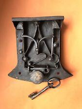 Gotisches Schloss Truhenschloss mit Schlüssel Handgeschmiedet 16. Jahrhundert